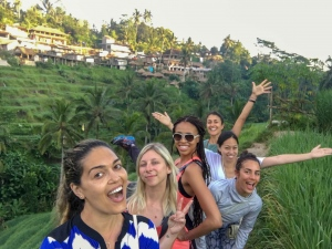 Taryn + fellow travelers in Bali on retreat